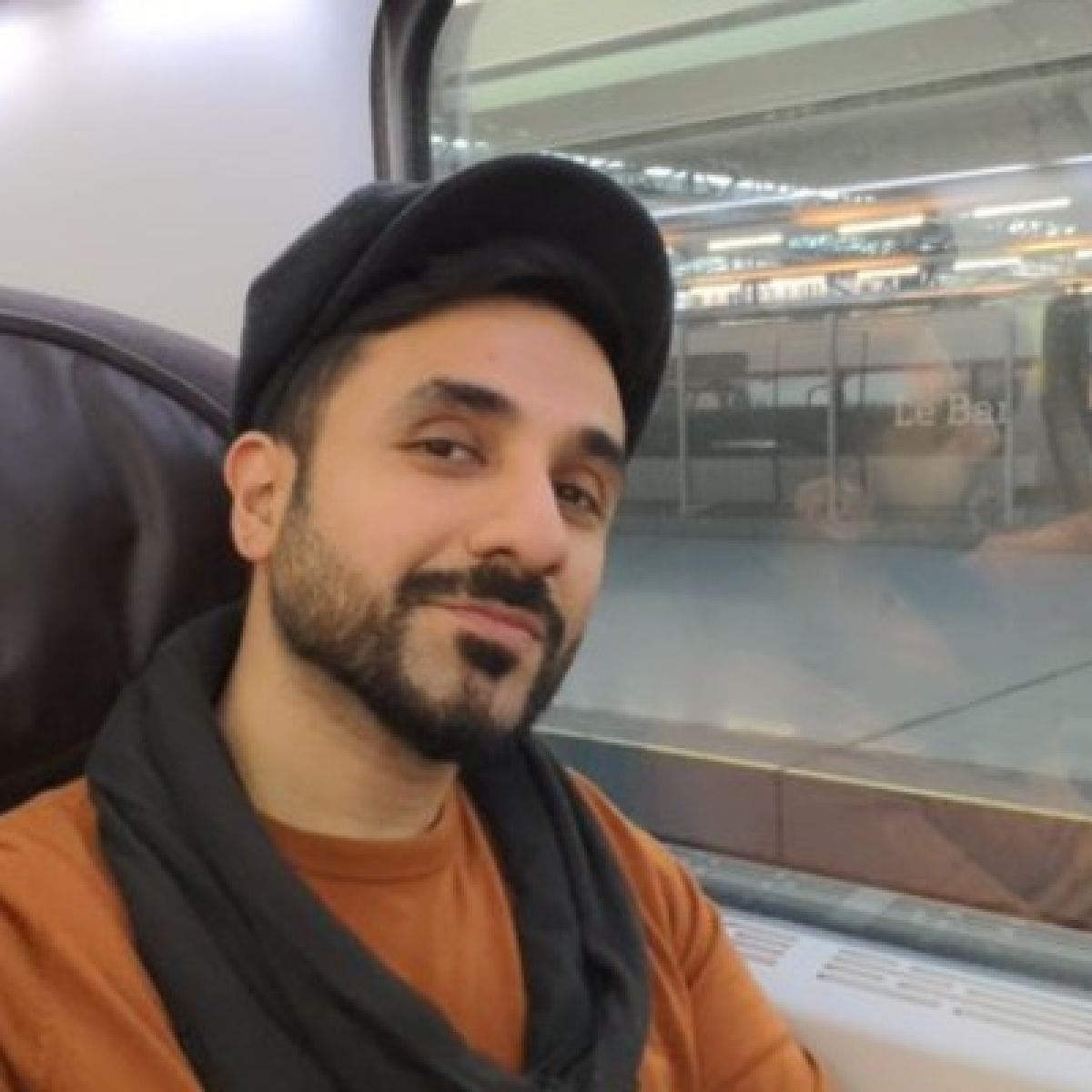'Aarey activist in the streets, HSR supporter in the sheets': Twitter trolls Vir Das for taking Eurostar high-speed train
