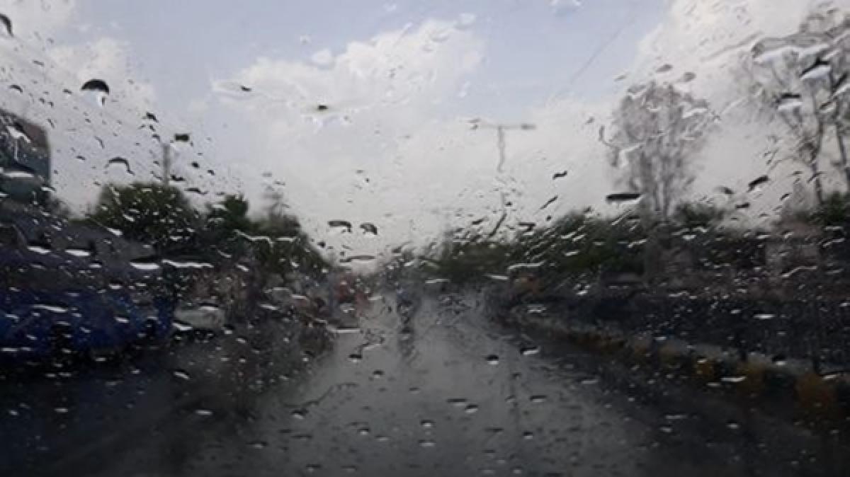Mumbai: Tweeple soak in Christmas rain fun