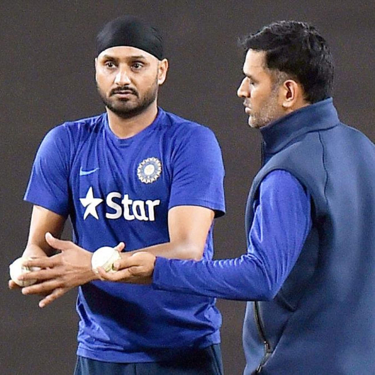 'He does not want to wear India's jersey': Harbhajan Singh on MS Dhoni