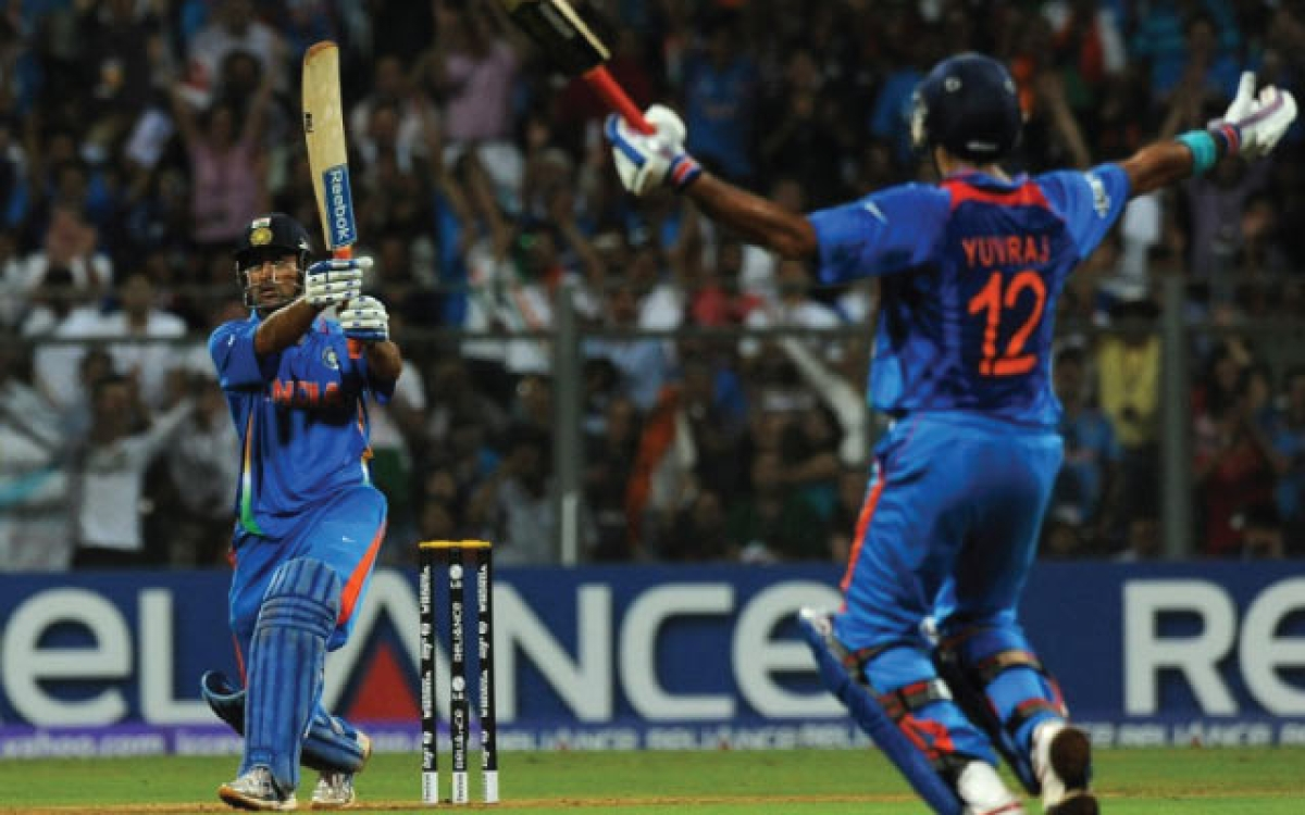 'This finishing shot has a separate fanbase': Netizens reminisce MS Dhoni's World Cup winning six in 2011