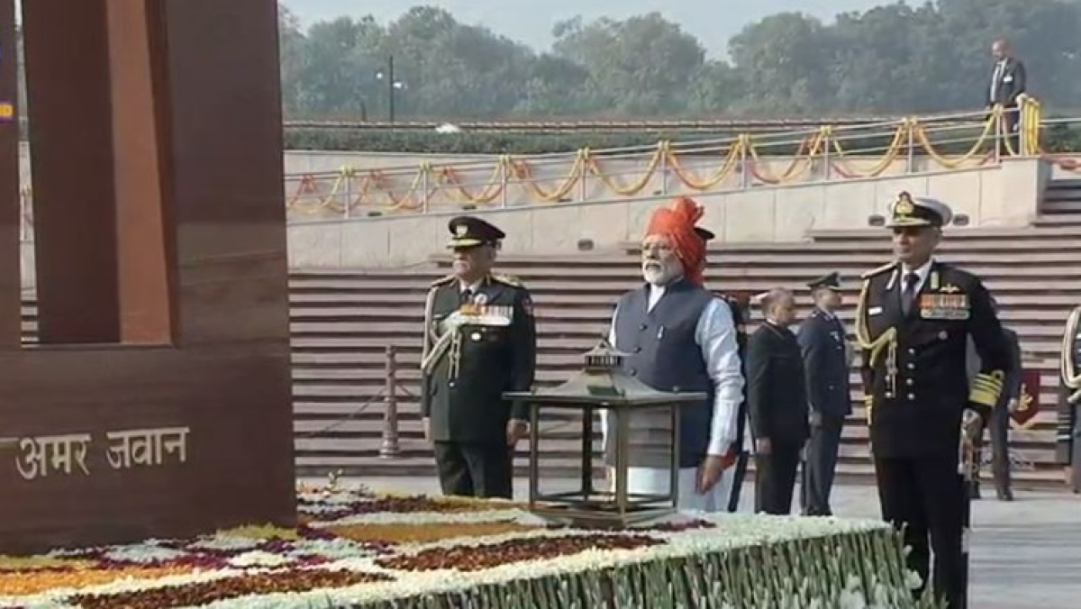 PM Modi breaks tradition; pays tribute to martyred soldiers at National War Memorial, instead of Amar Jawan Jyoti