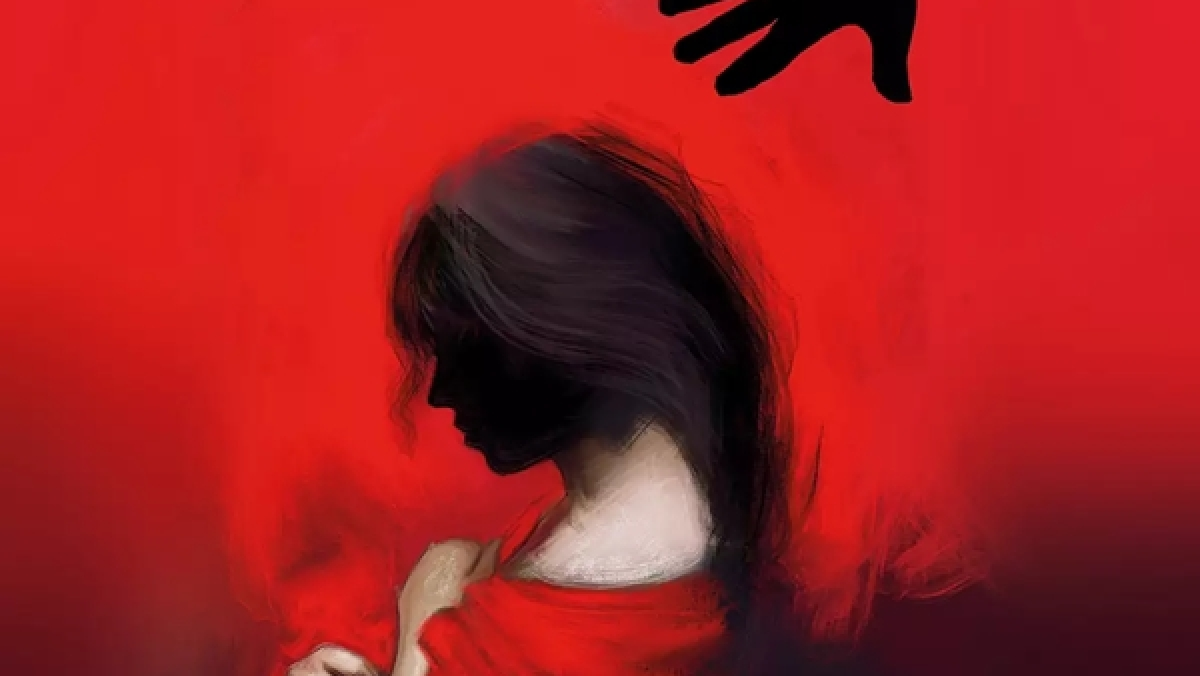 Sex racket busted, four girls including a minor rescued
