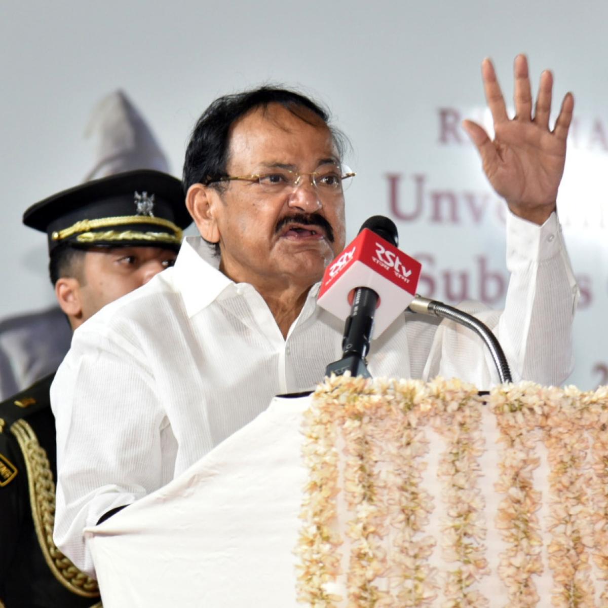 Venkaiah Naidu hopeful that Andhra's importing 1 lakh COVID-19 kits will ramp up testing