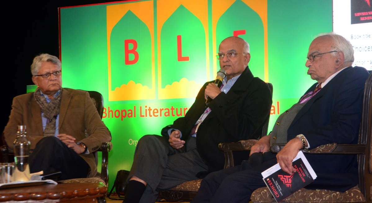 Former foreign secretary Shivshankar Menon speaks at a session on his book 'Inside the Making of India's Foreign Policy' on Saturday, the second day of the Bhopal Literature and Art Festival (BLF) at Bharat Bhavan.