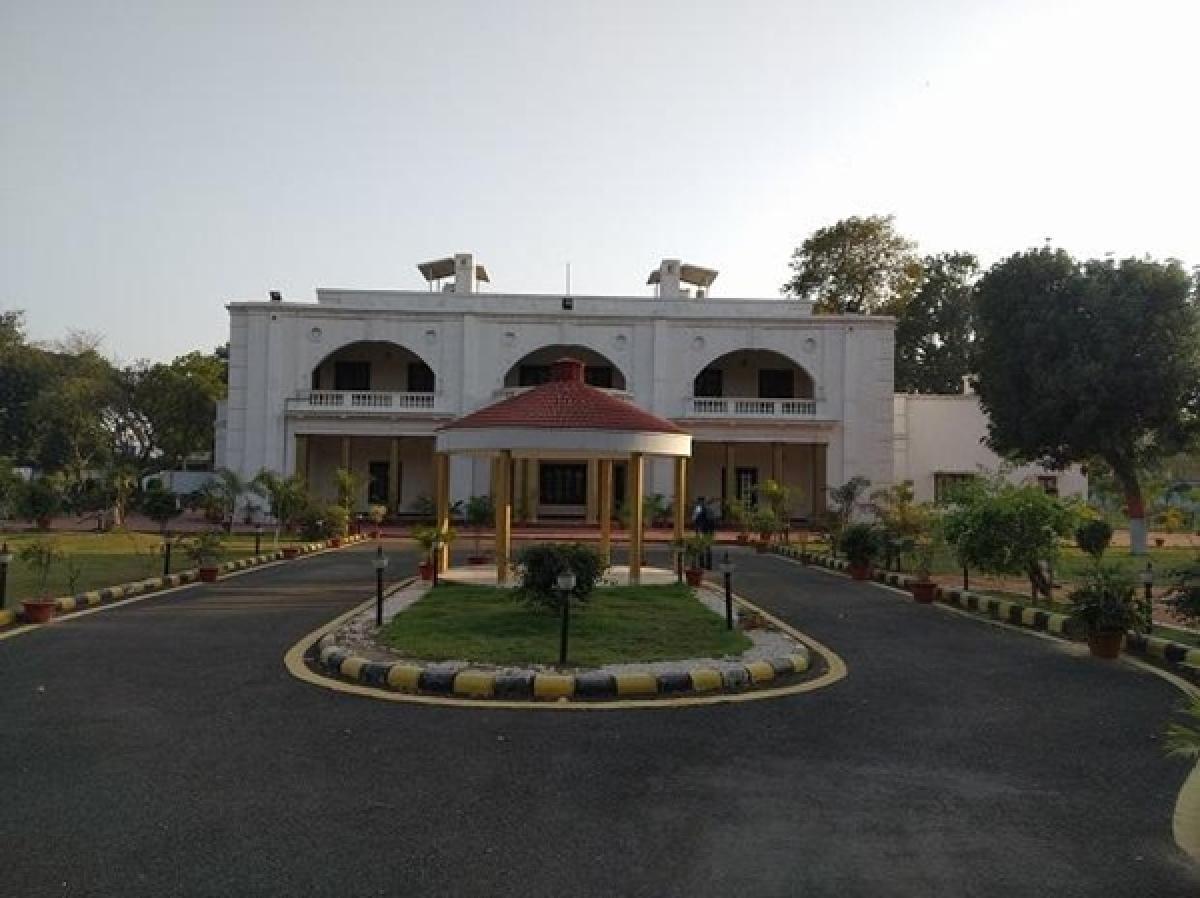 Ghosts haunt Nitish Kumar's bungalow?