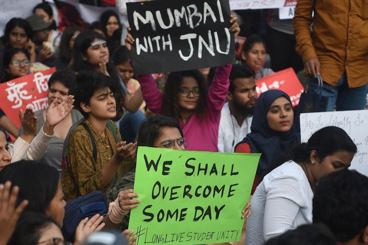 JNU attack reminded me of 26/11: Uddhav Thackeray