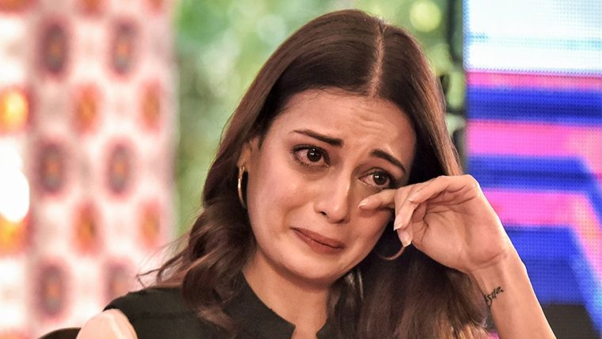 Dia Mirza breaks down into tears at Jaipur Literature Festival