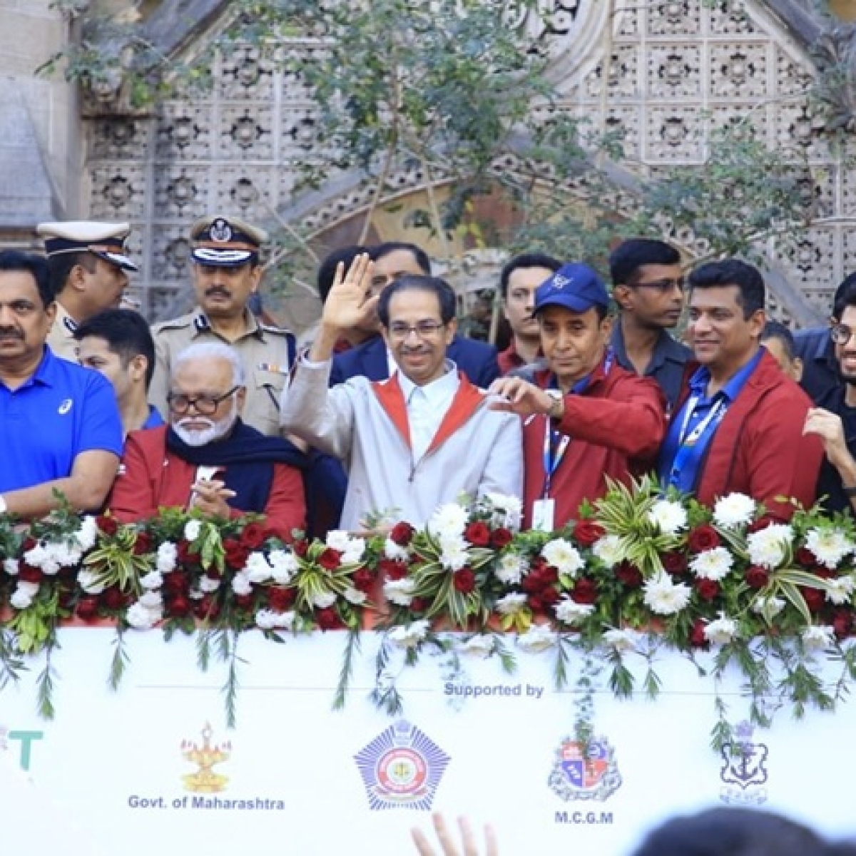 Mumbai Marathon 2020: CM Uddhav Thackeray flags off Dream Run; Kiren Rijiju, Aaditya Thackeray, Chhagan Bhujbal encourage runners