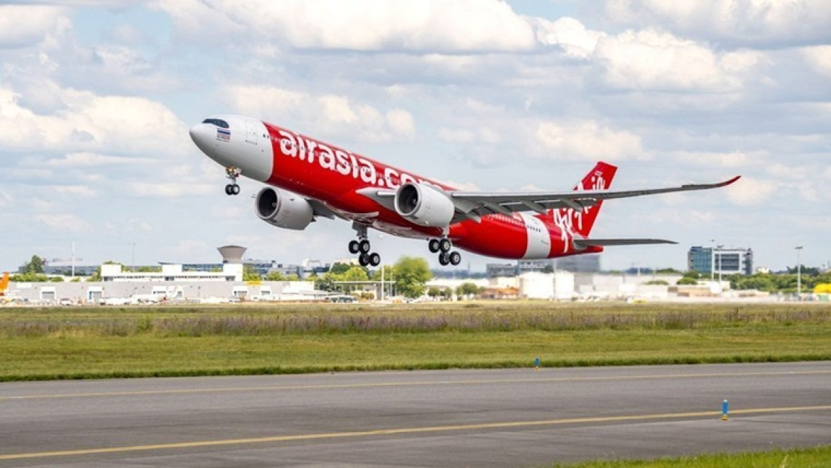 AirAsia India flight returns to Kolkata airport after drunk woman threatens to blow up aircraft