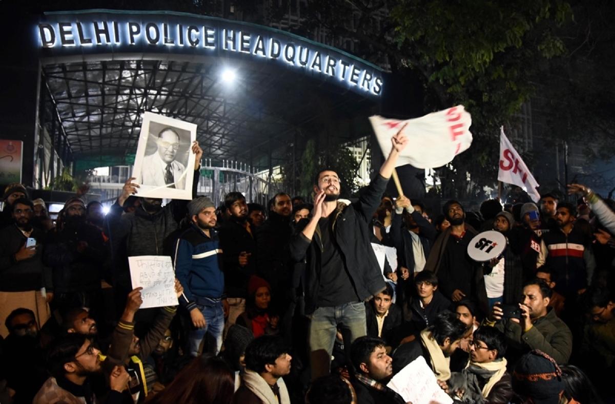 JNU violence case transferred to DP Crime Branch; Registrar, Pro-VC meet LG Anil Baijal