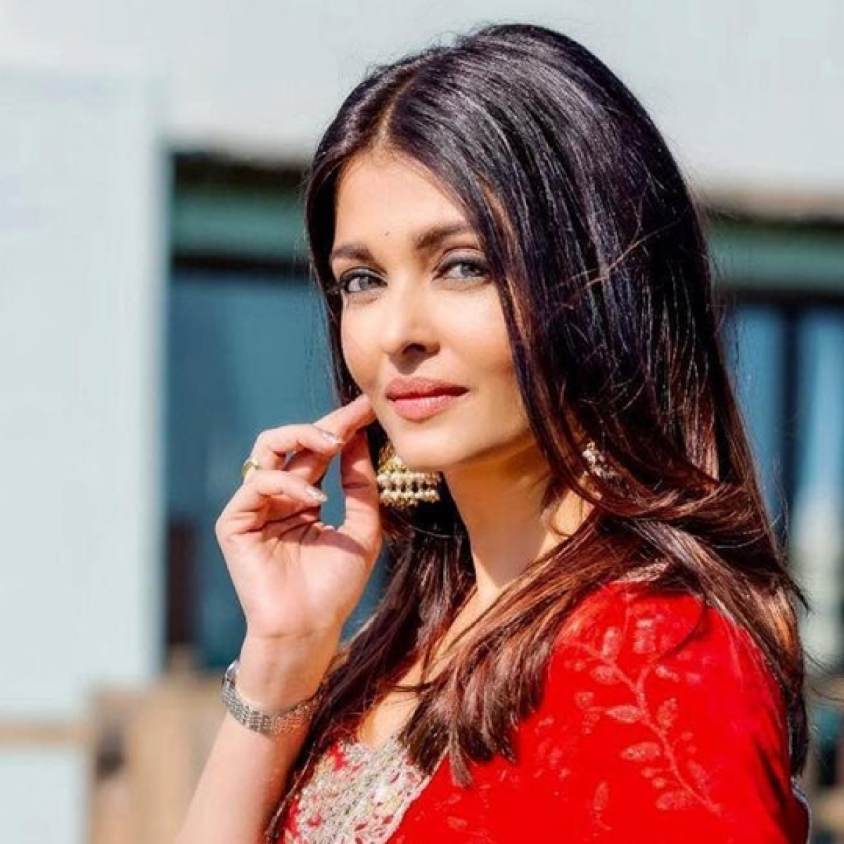 The 'Son' Returns: 32-year-old man claims Aishwarya Rai Bachchan is his 'mother'