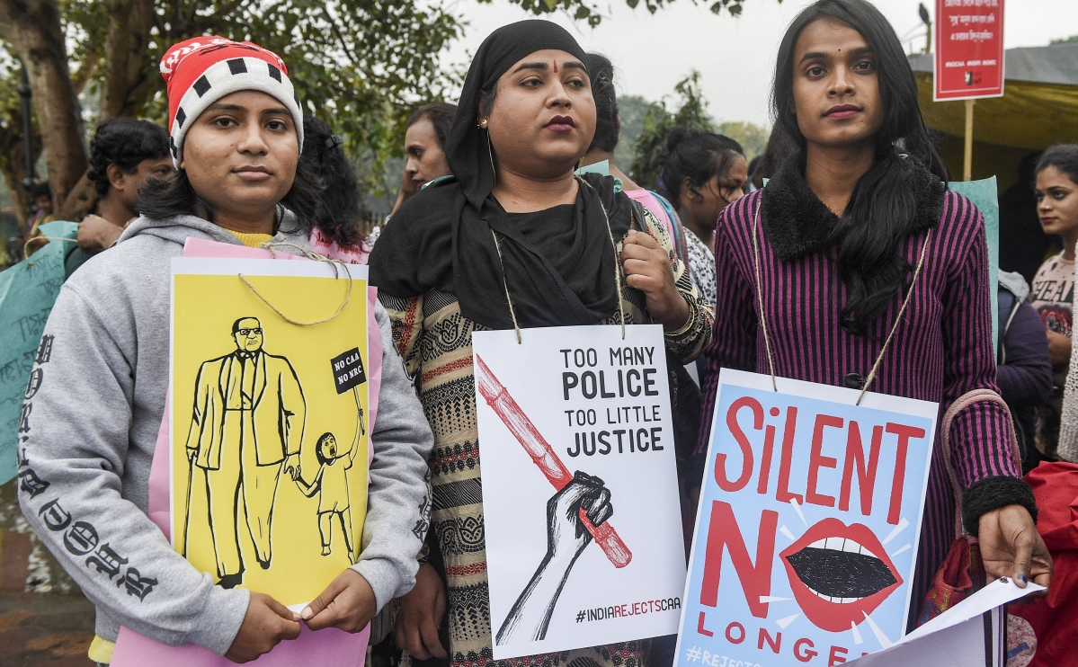 Students, transgenders protest against CAA, NRC in Kolkata; police stop them midway