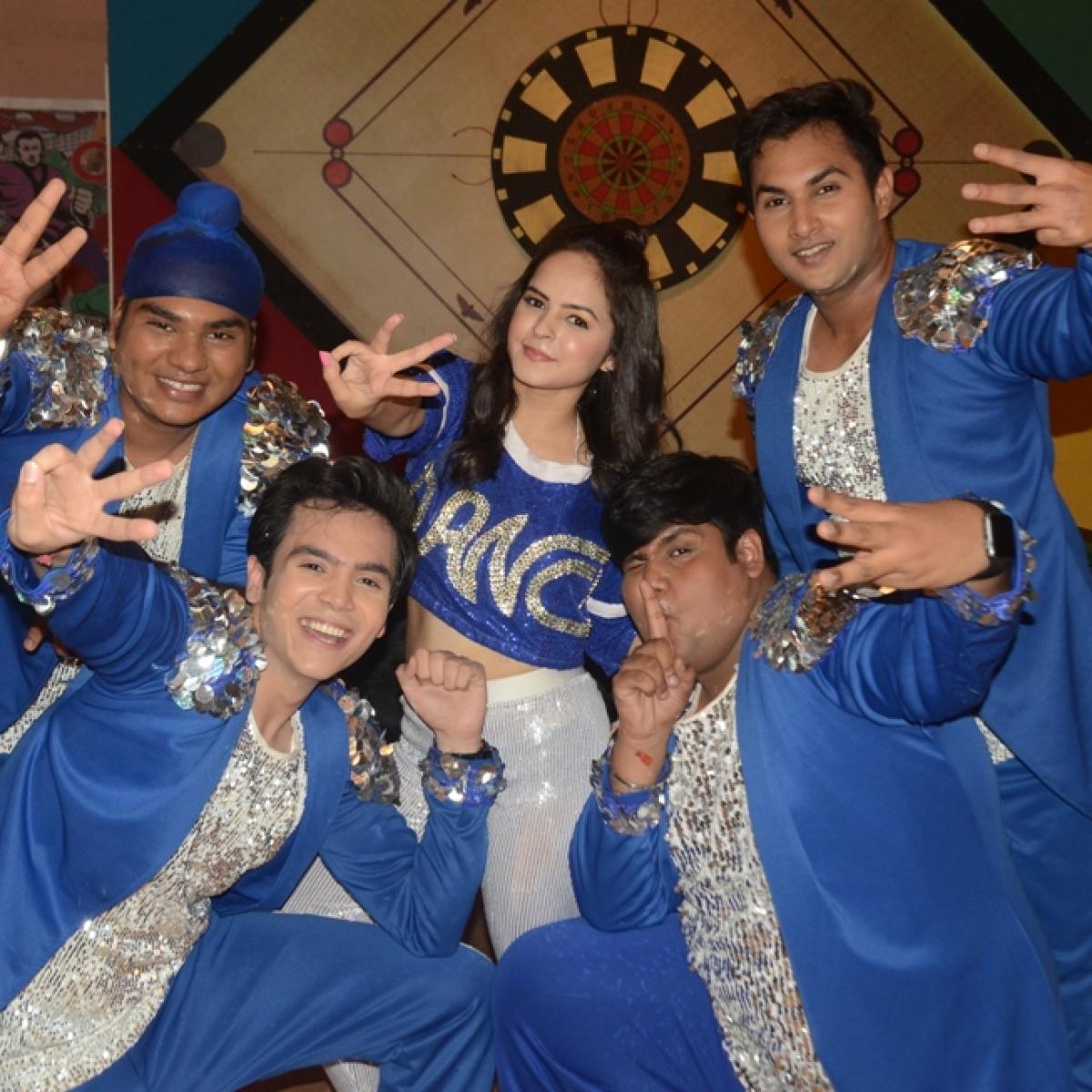 Shraddha Kapoor, Varun Dhawan surprise Tapu sena on 'Taarak Mehta Ka Ooltah Chashmah'