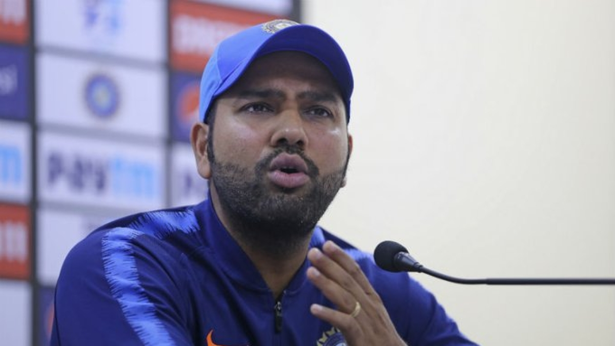 Rohit Sharma signed certificates for CAB blood donors