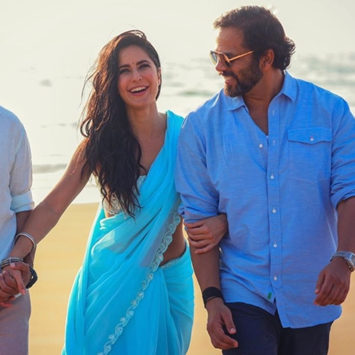 Sooryavanshi: Katrina enjoys beach time in blue saree with Akshay Kumar and Rohit Shetty