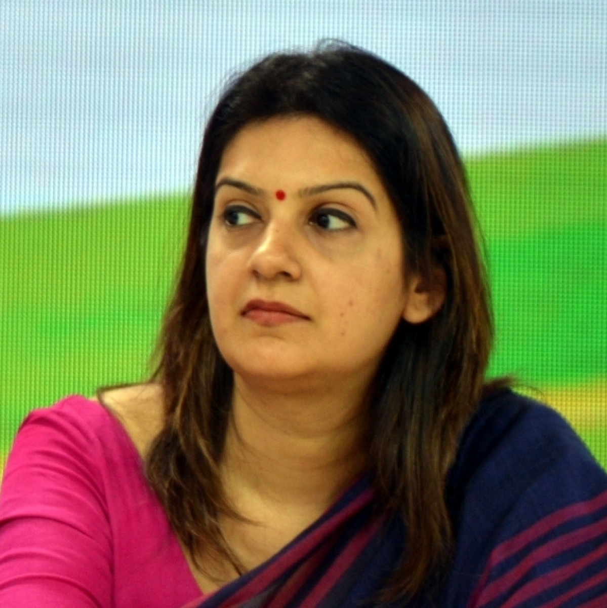 Priyanka Chaturvedi slams media house for creating controversy over Uddhav Thackeray's black mask during visit to Raj Bhavan