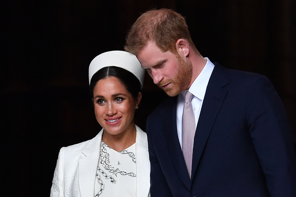Queen Elizabeth II calls crisis meeting with Harry, Meghan over royal couple's future roles