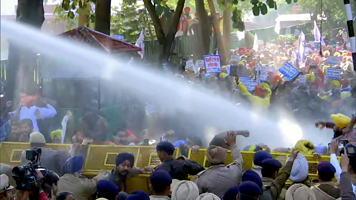 Security personnel uses water cannon on AAP workers during a protest march against high power tariff outside Punjab Chief Minister Captain Amarinder Singh's residence, in Chandigarh on Friday. | Representational image
