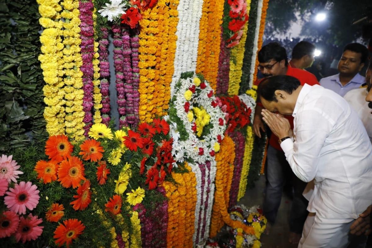 Security tightened at Koregaon Bhima as Maharashtra Dy CM Pawar, Prakash Ambedkar pay tribute at 'Jay Stambh'