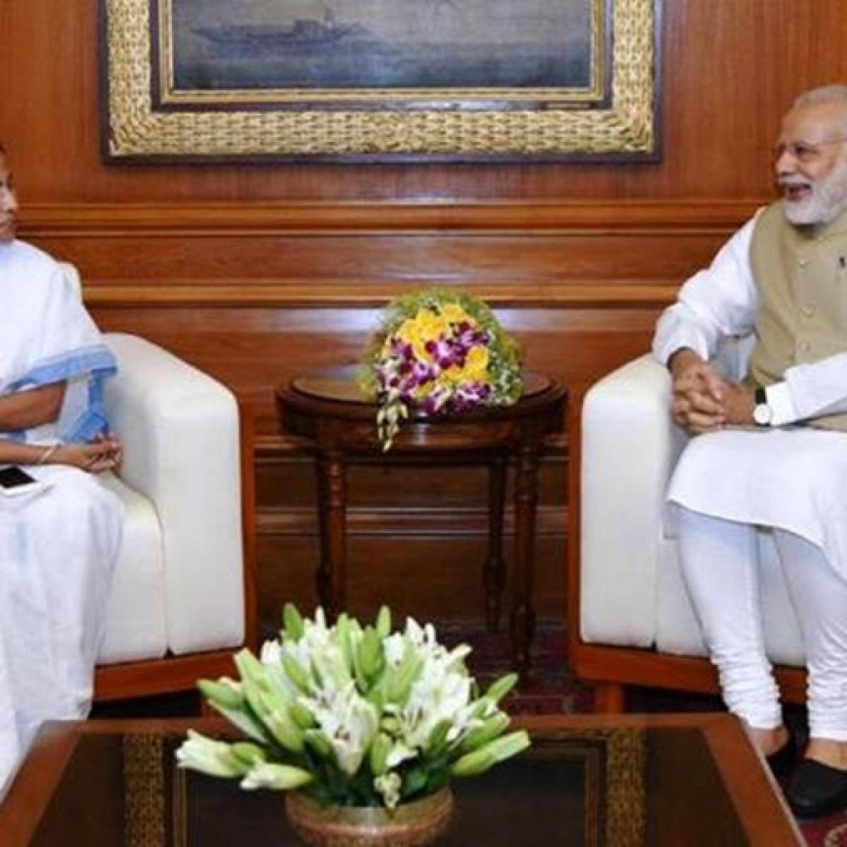 PM Modi to meet Mamata Banerjee today in Kolkata