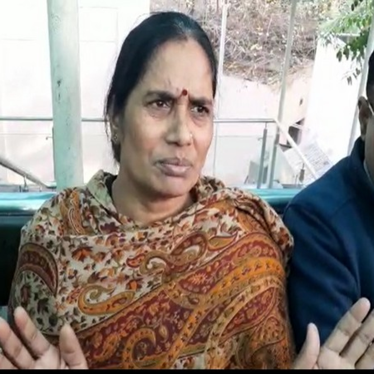 'Convicts should be hanged soon...':  Asha Devi welcomes court's decision to grant them a week to avail legal remedies