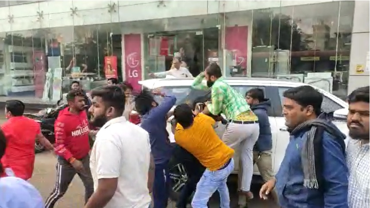 'ABVP goons attacked us with lathis and knives': NSUI shares bloodied pictures