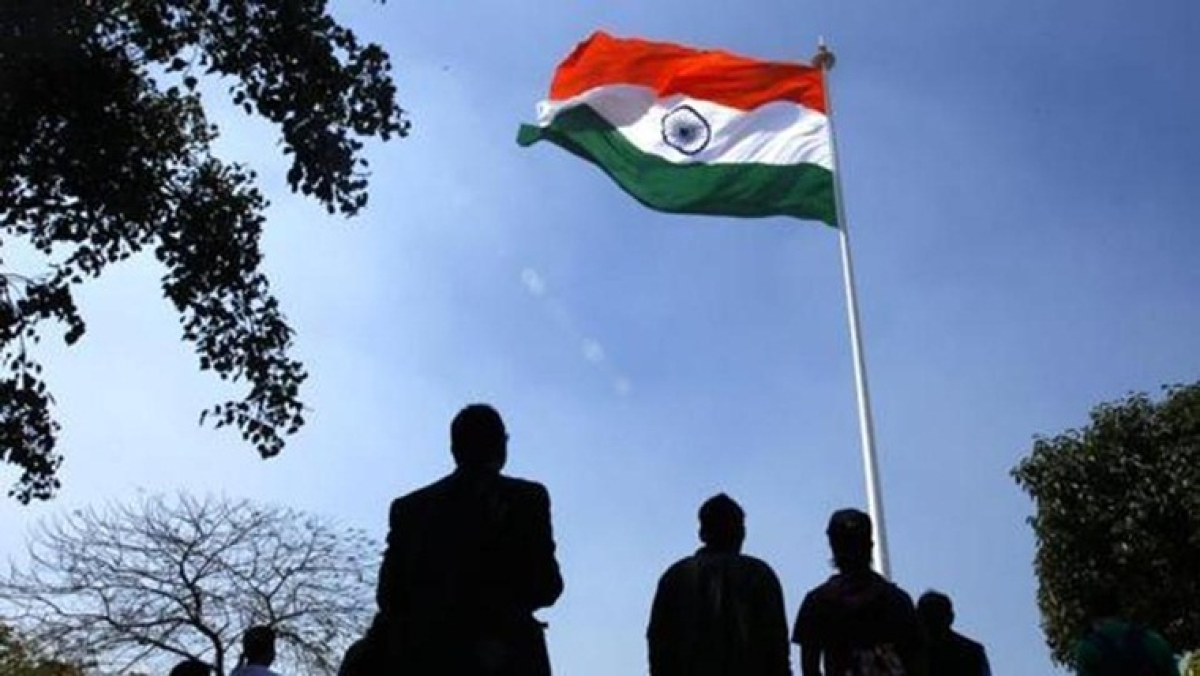 Maharashtra govt to soon mandate national anthem before public events in colleges, universities