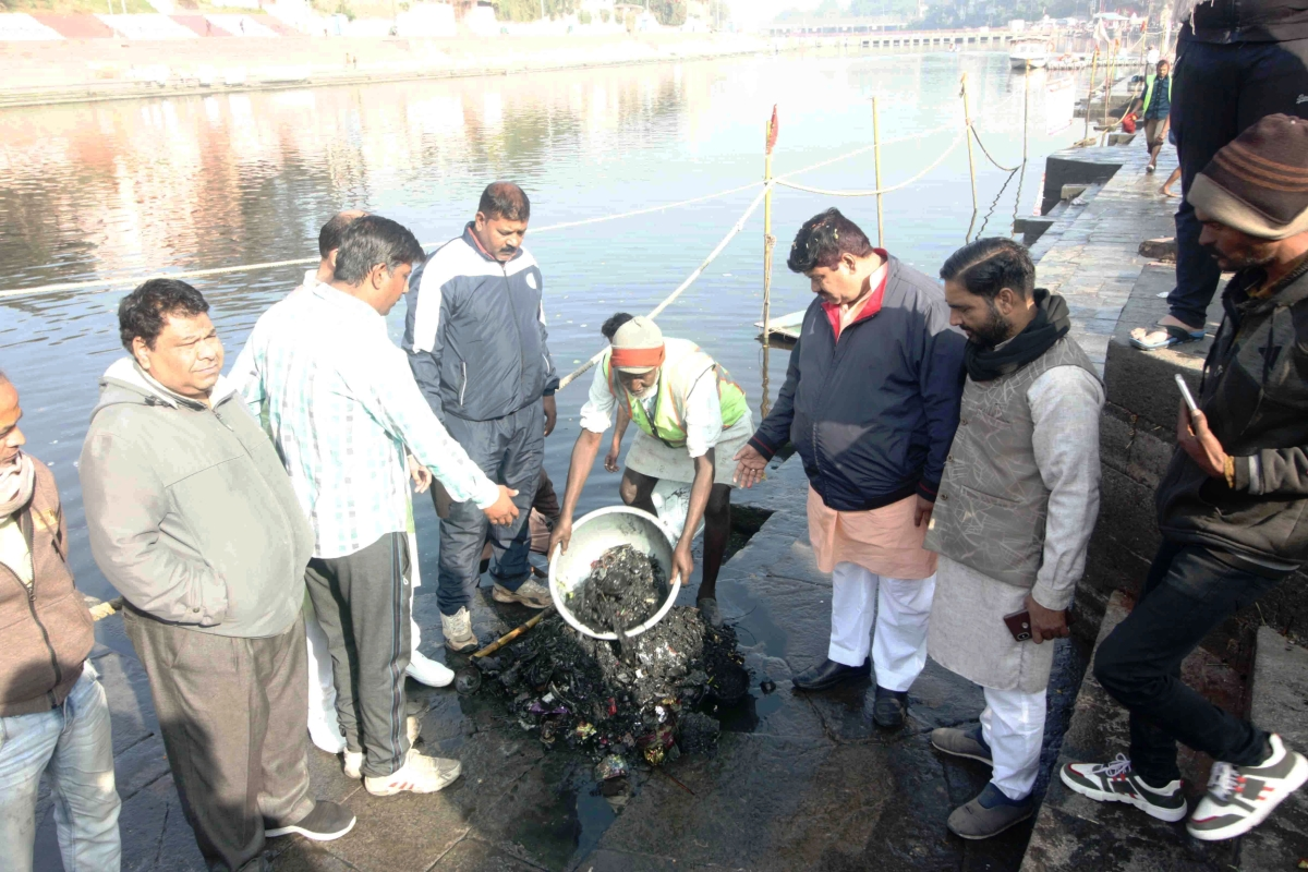 Ujjain: MP Anil Firojia takes stock of Kshipra water ahead of Makar Sankranti Snan