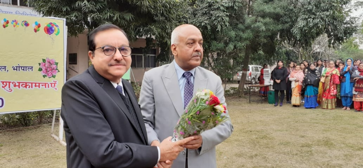Bhopal: MP Khan honoured for getting Bharat Sanchar Sewa Padak