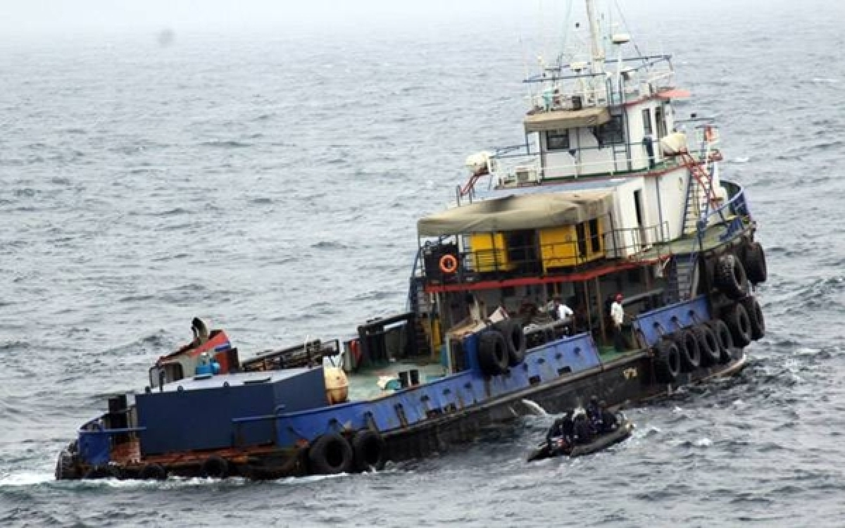 5 Pakistani nationals arrested with contraband worth Rs 175 crore of Gujarat coast