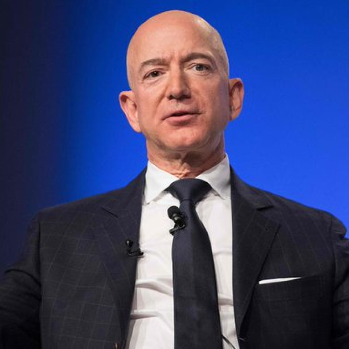 Jeff Bezos tops Forbes list of billionaire, ex-wife MacKenzie makes debut
