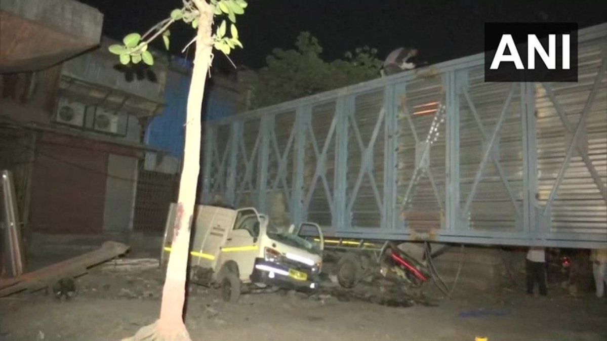 Mumbai: Two injured after under-construction foot overbridge collapses in Mankhurd