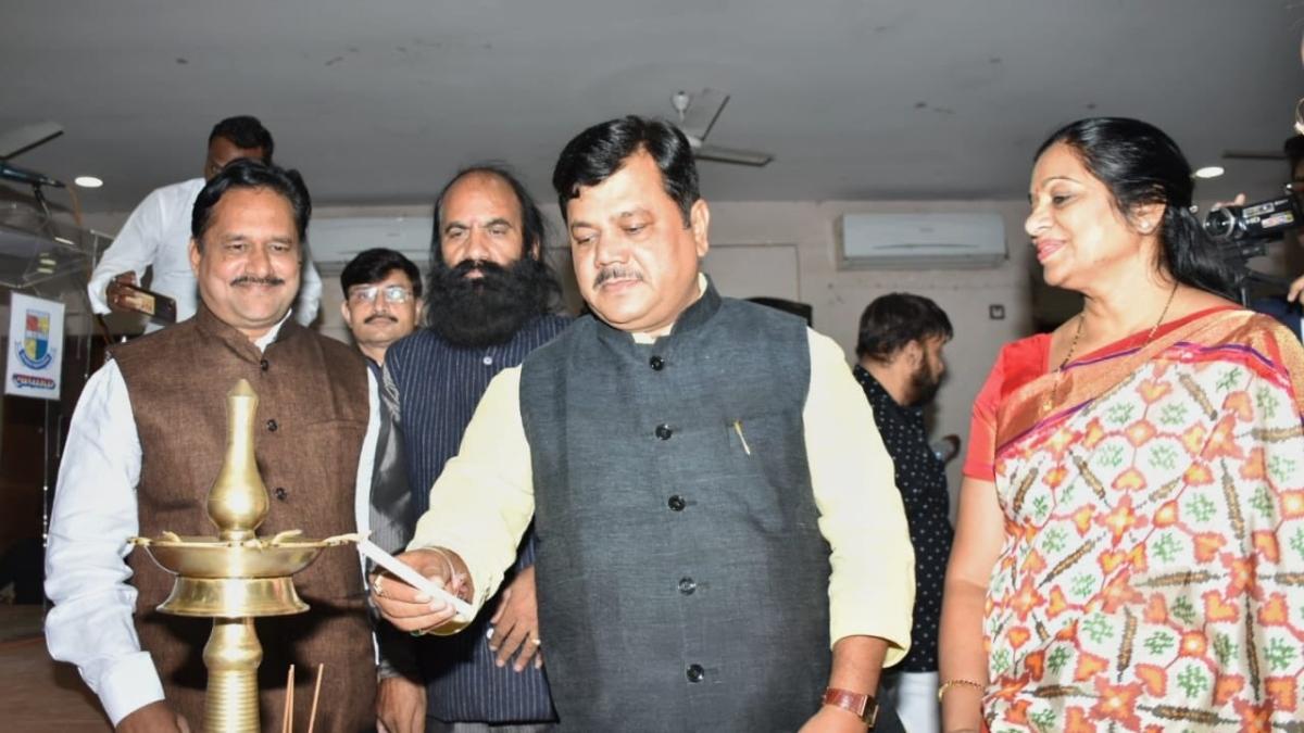 Darekar to BJP unit: Work in tandem with MLA Geeta Jain