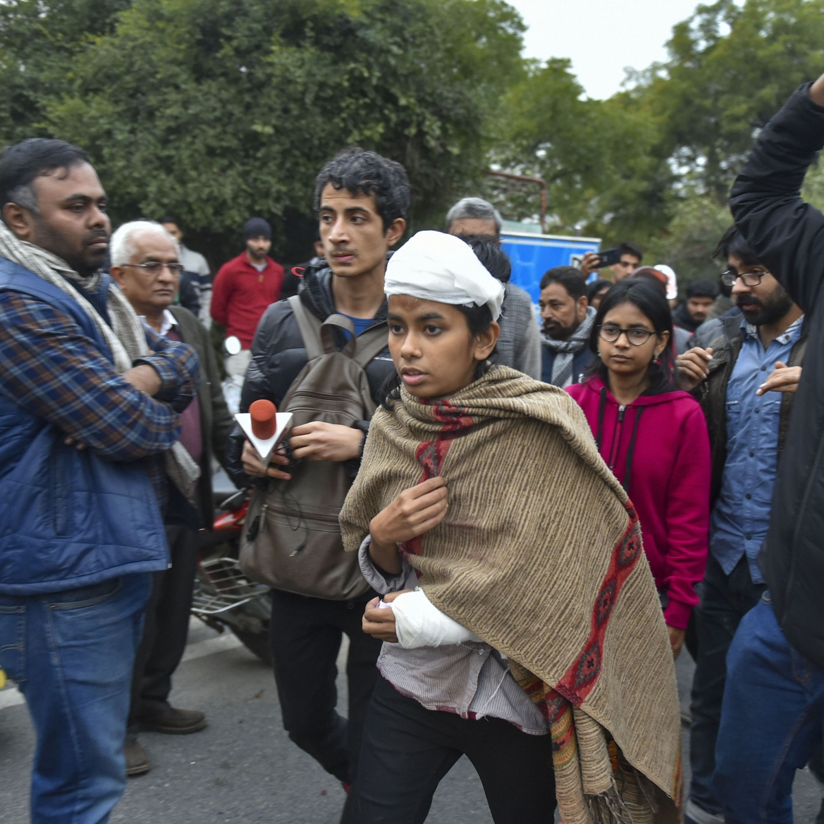 'Can't forget what is happening in Kashmir': Aishe Ghosh at Jamia Millia protests