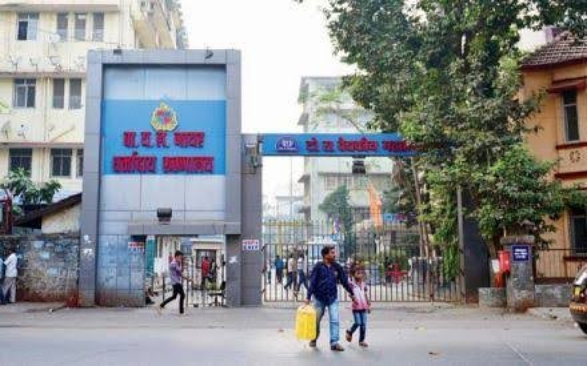 2 resident docs at Nair hospital attacked by irate kin of deceased patient