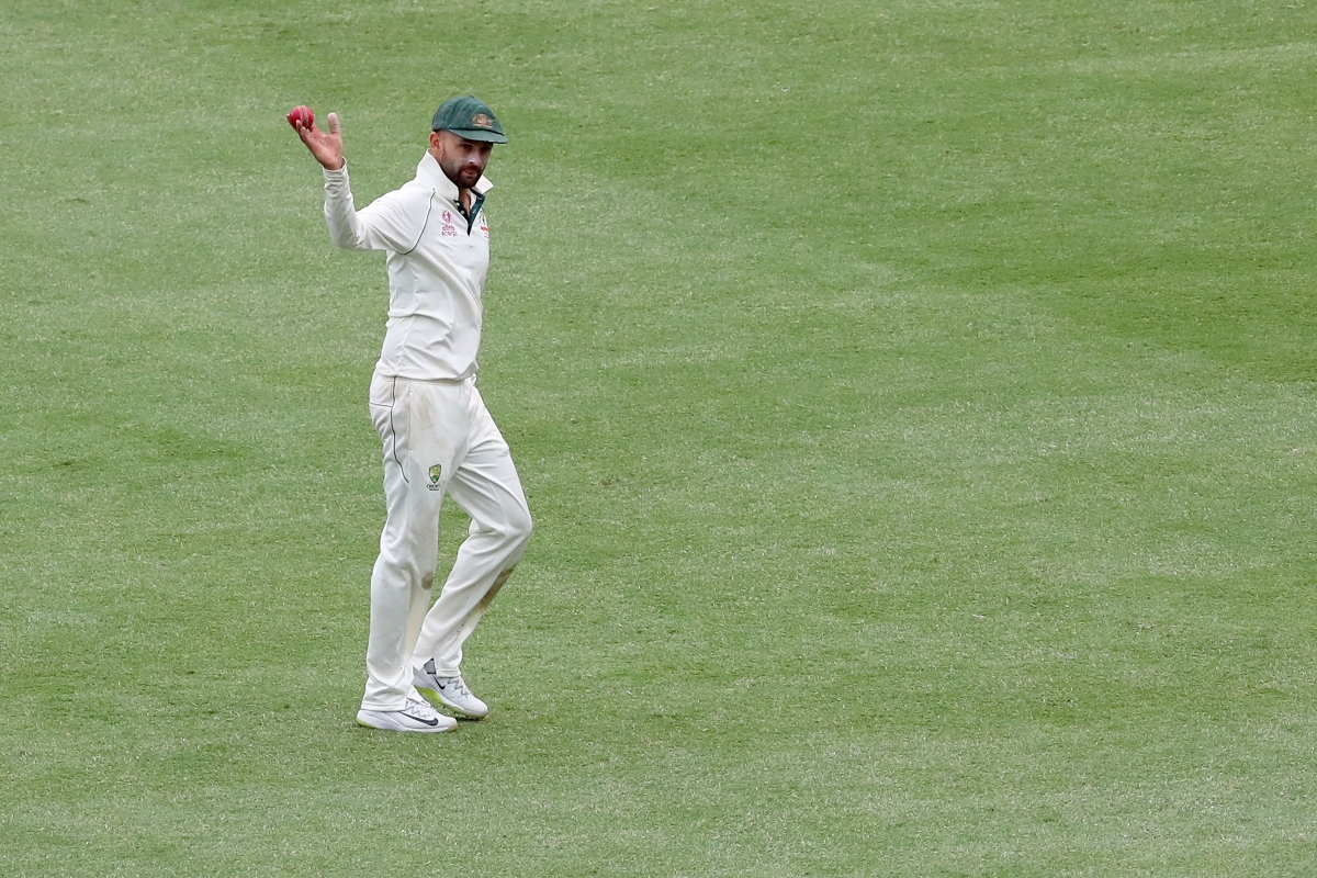 Australia's Nathan Lyon acknowledges the crowd after taking a five wicket haul during the third day of the third cricket Test match between Australia and New Zealand at the Sydney Cricket Ground in Sydney on January 5, 2020.