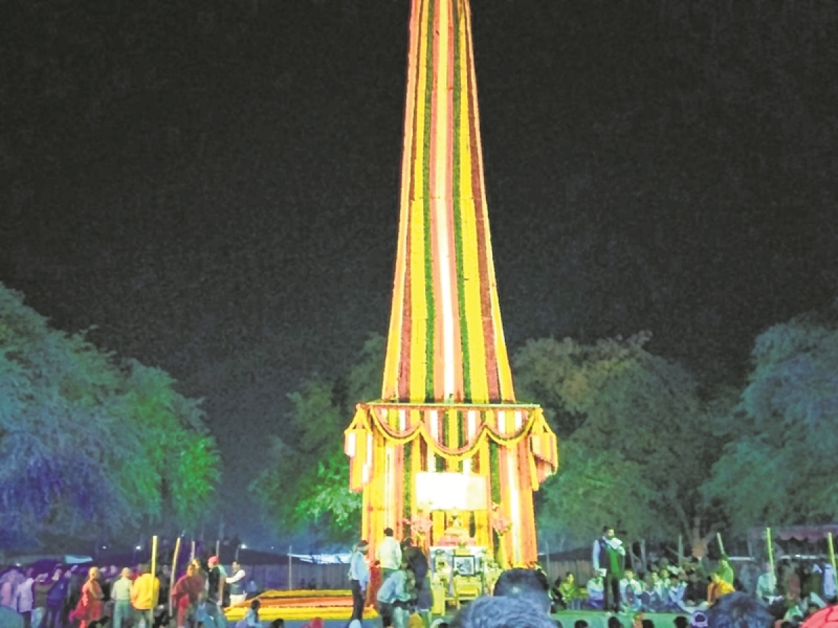202nd anniversary of battle: Lakhs pay tribute at Bhima-Koregaon war memorial