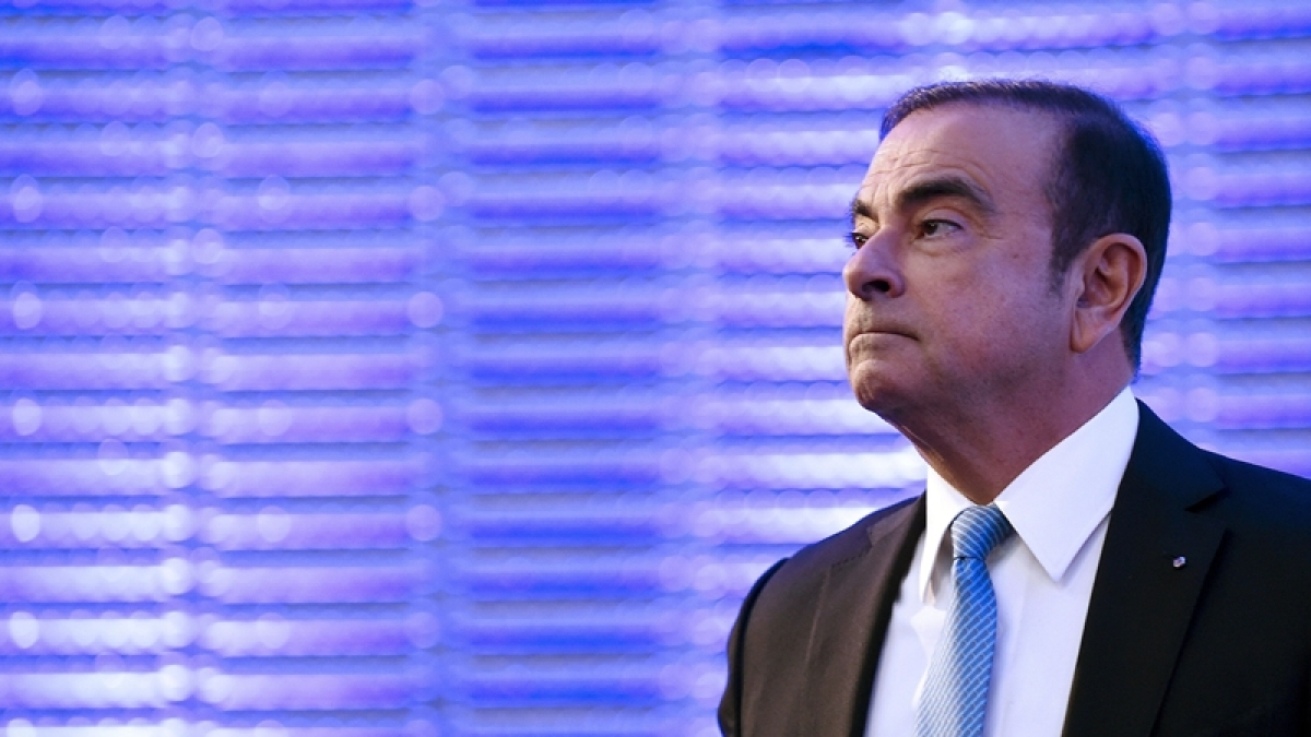 'Carlos Ghosn used one of two French passports to flee'