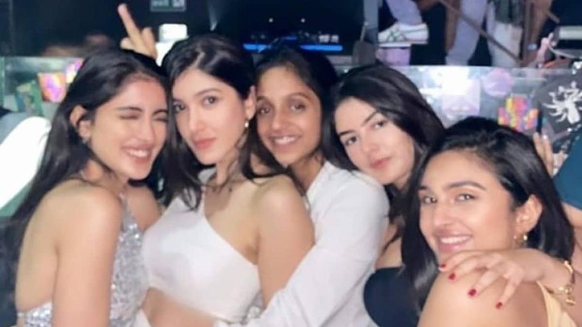 Amitabh Bachchan's granddaughter Navya Naveli Nanda and Shanaya Kapoor party with their girl pals