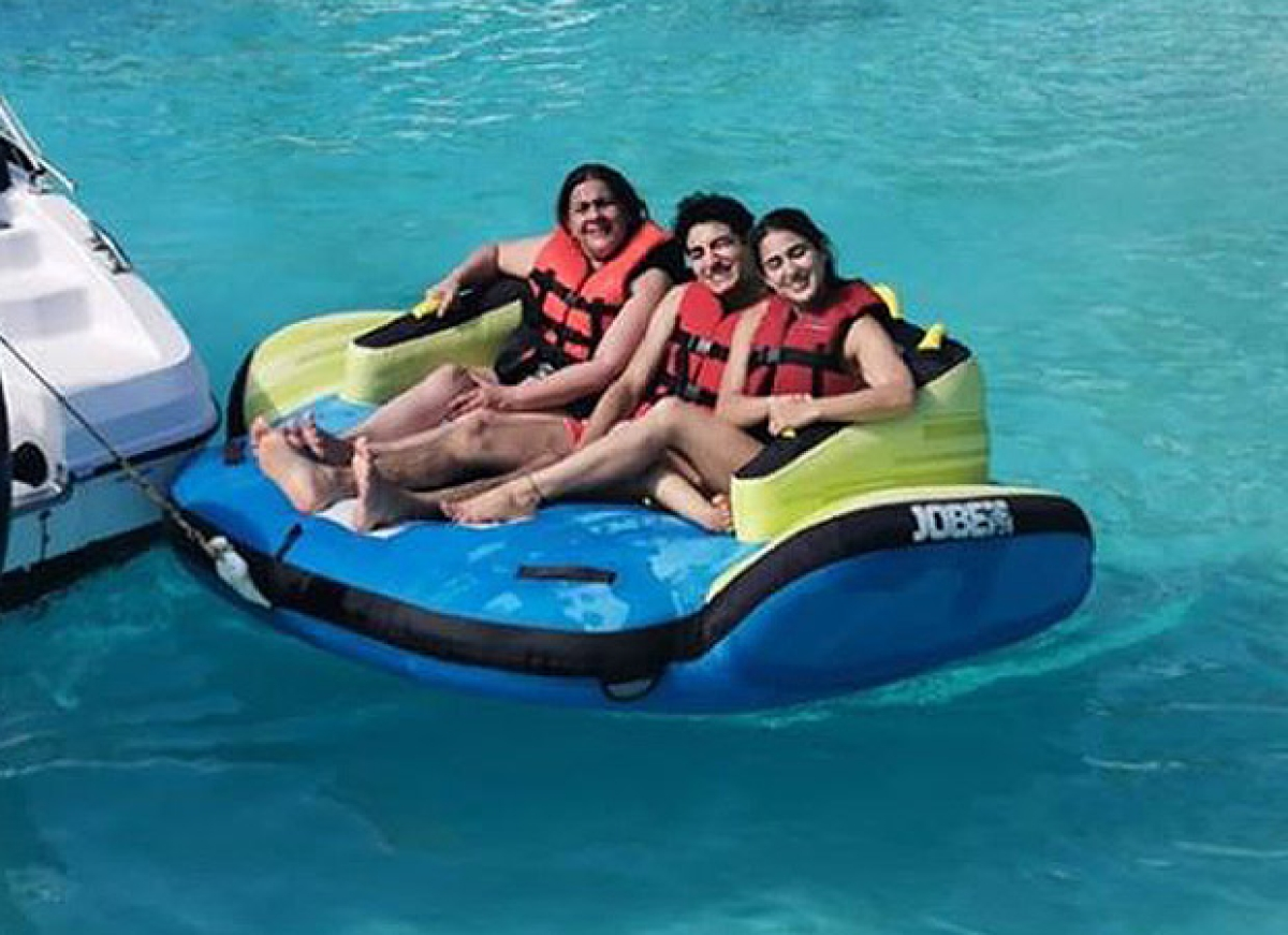 Sara Ali Khan, Ibrahim Ali Khan and Amrita Singh are a happy family at their Maldives vacay