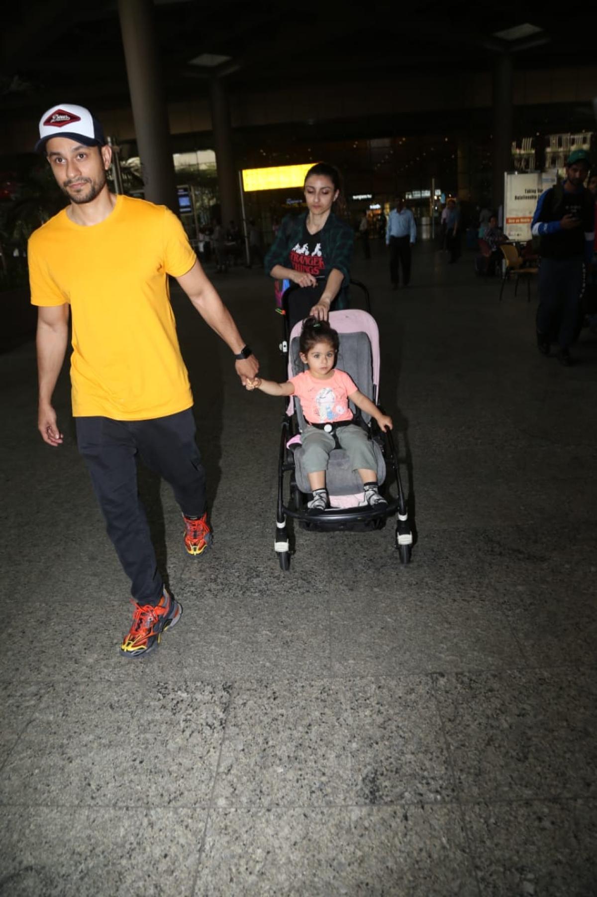 Kunal Kemmu, Soha Ali Khan and daughter Inaaya Kemmu