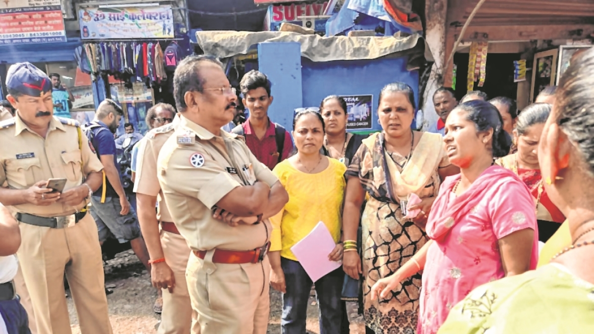 Irate over traffic mess, villagers hit streets in Uttan