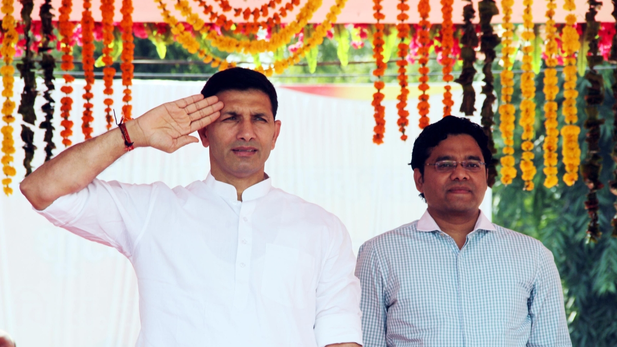 Jitu Patwari (left)