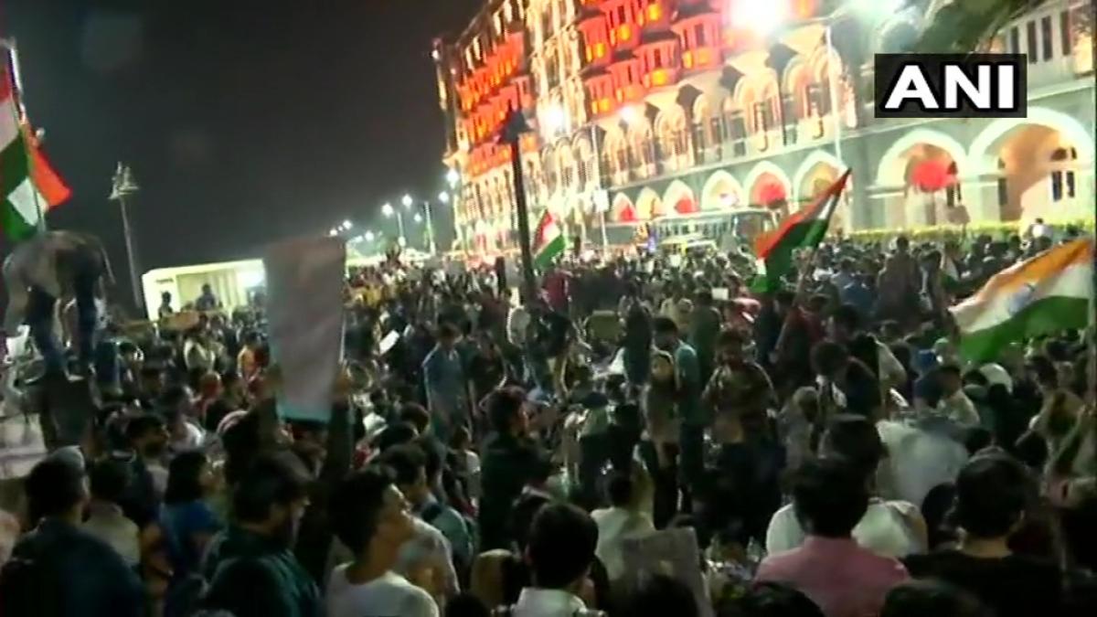 JNU Violence Updates: Students' protest underway at Gateway of India, Mumbai