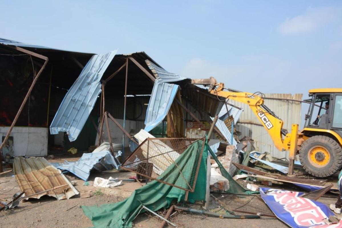 Bhopal: Illegal property of rape accused newspaper owner razed