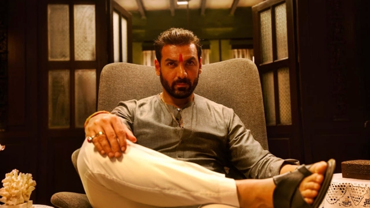 'Mumbai Saga' first look: John Abraham transforms into an angry gangster