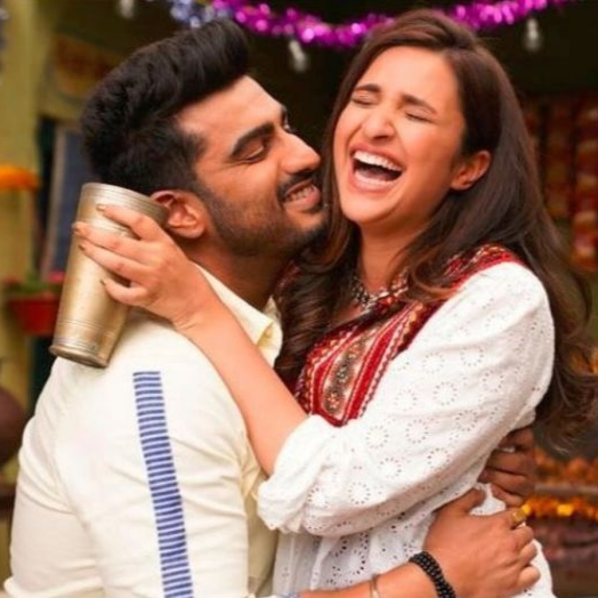 Parineeti Chopra reacts hilariously on Arjun Kapoor's new picture