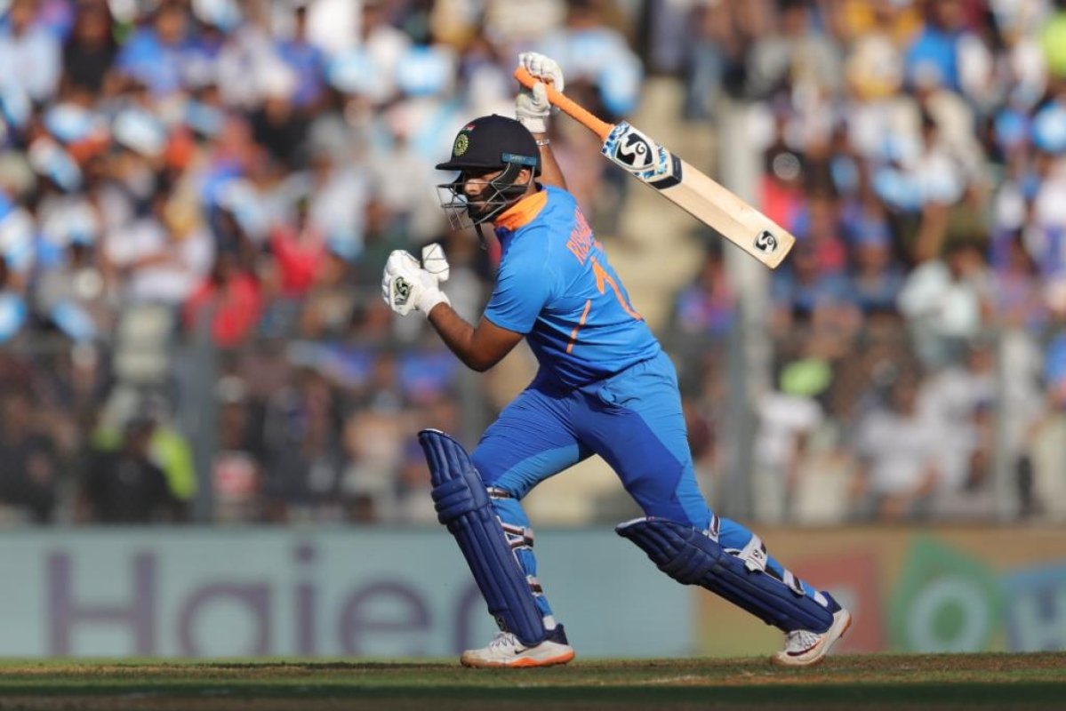 'Career over?': Twitter reacts as Rishabh Pant gets dropped for 1st T20I against New Zealand