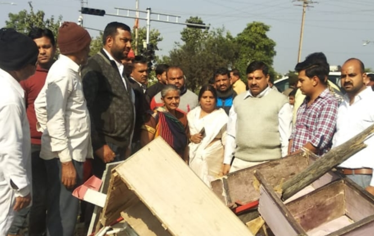 Ujjain: MLA consoles 'displaced' residents
