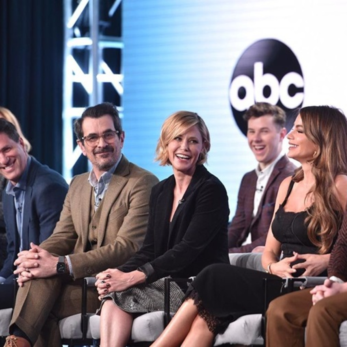 After 11 seasons, 'Modern Family' sets April date for series finale